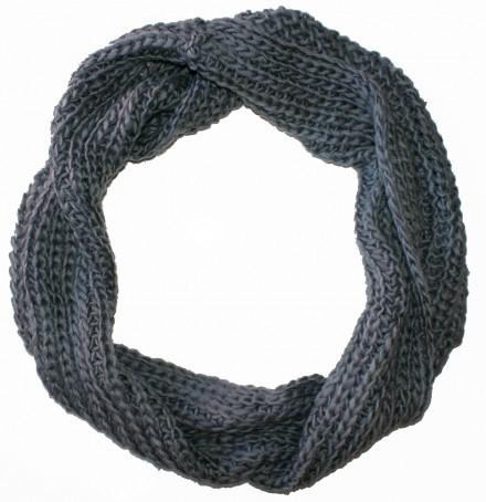 Stickad halsduk grå